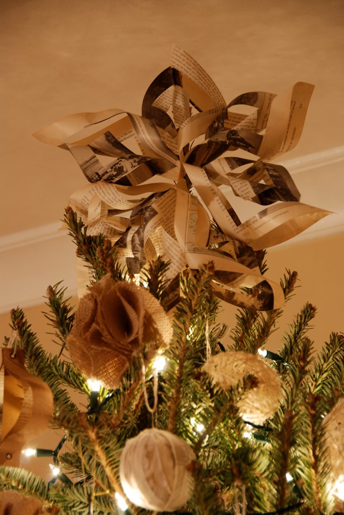 Diy Christmas Tree Star Made From Pages Of A Vintage