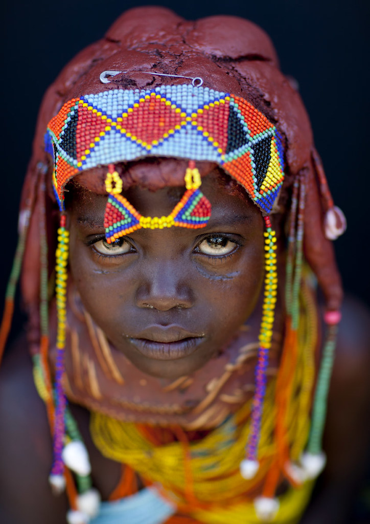 Mwila little girl - Angola | She made her traditionnal