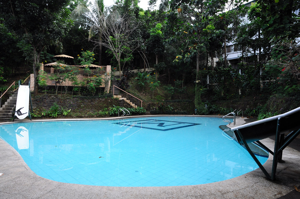 Swimming Pool Area At Cloud 9 Resort And Leisure Club Ant Joelcgarcia Flickr
