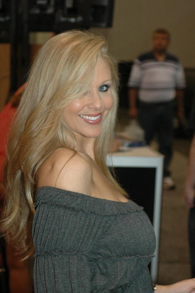 Sexy Julia Ann  Hootervillefan  Flickr-9491