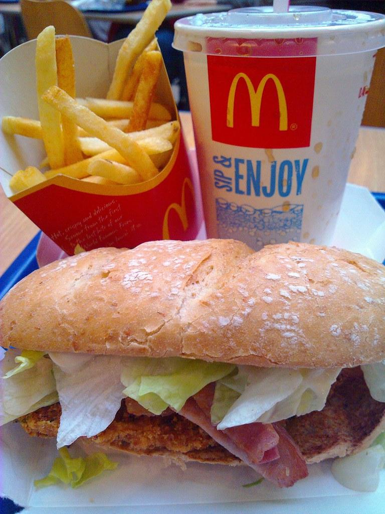 mcdonald's serving fast food