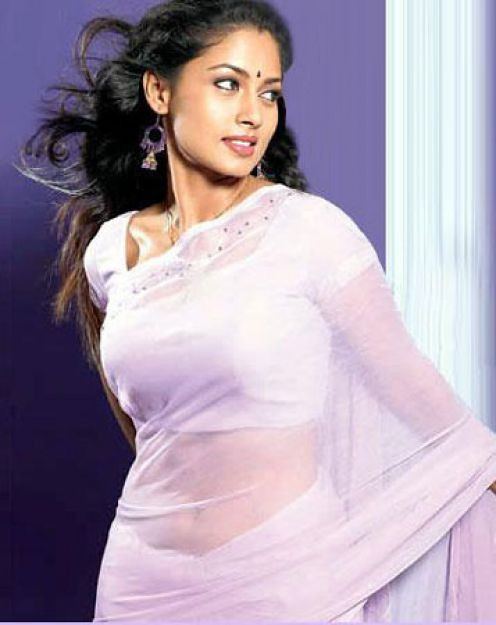 Tamil Actress Pooja Hot Brest Photos -6386