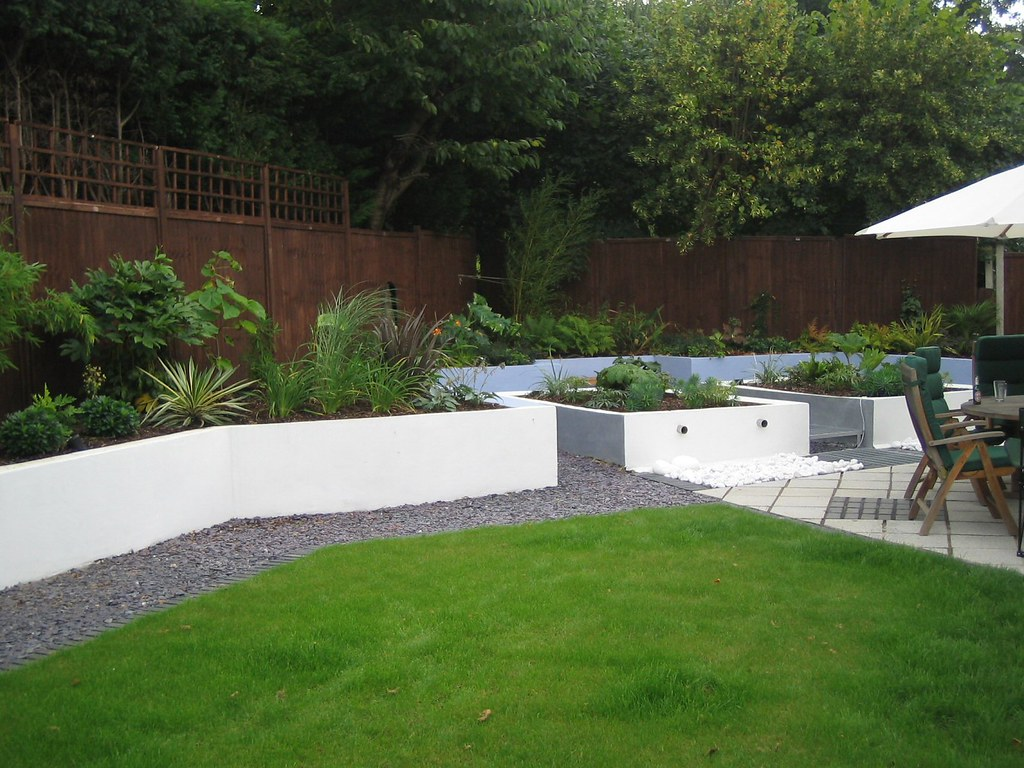 Contemporary garden surbiton surrey garden design ideas for Contemporary gardens