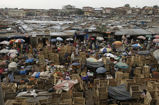Overlooking the central Kumasi market | by World Bank Photo Collection