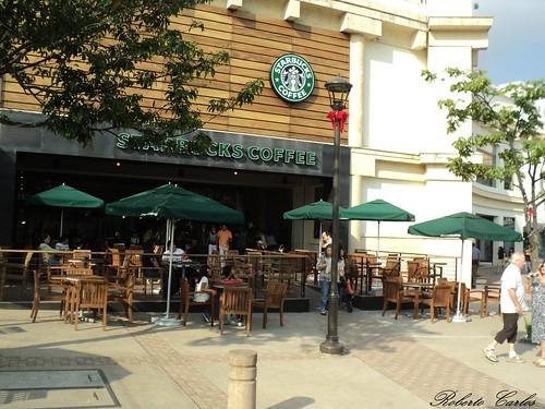 Starbucks la gran via flickr photo sharing for Gran via el salvador