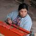 Mujer tejiendo - Woman weaving; Casería de Las Vegas; entre Poaquil y Santo Apolinar, Chimaltenango,  Guatemala
