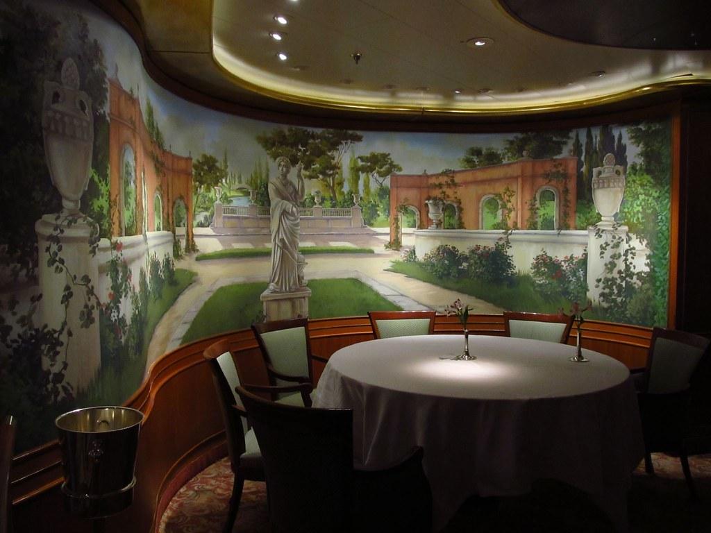 Golden Princess Dining Rooms Canalido