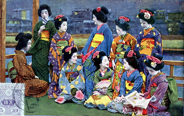 Geiko and Maiko Girls 1920