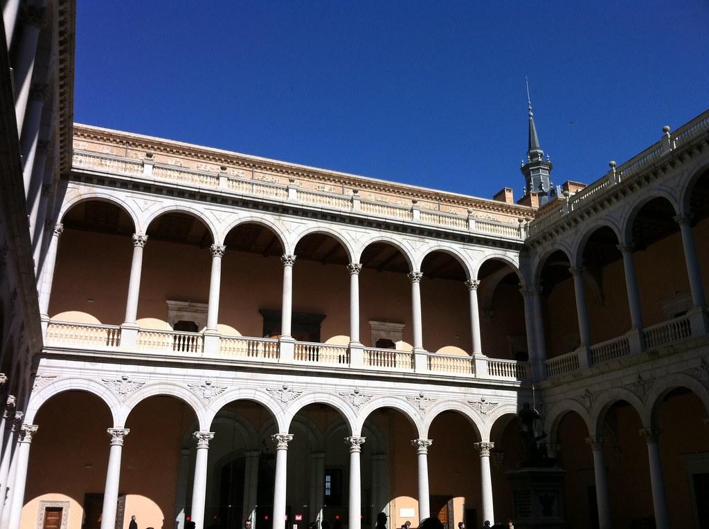 Patio interior del Alcázar de Toledo