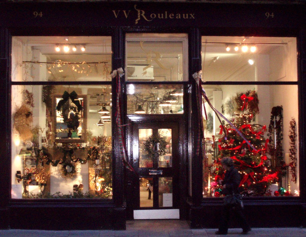 vv rouleaux glasgow top class suppliers of trimmings