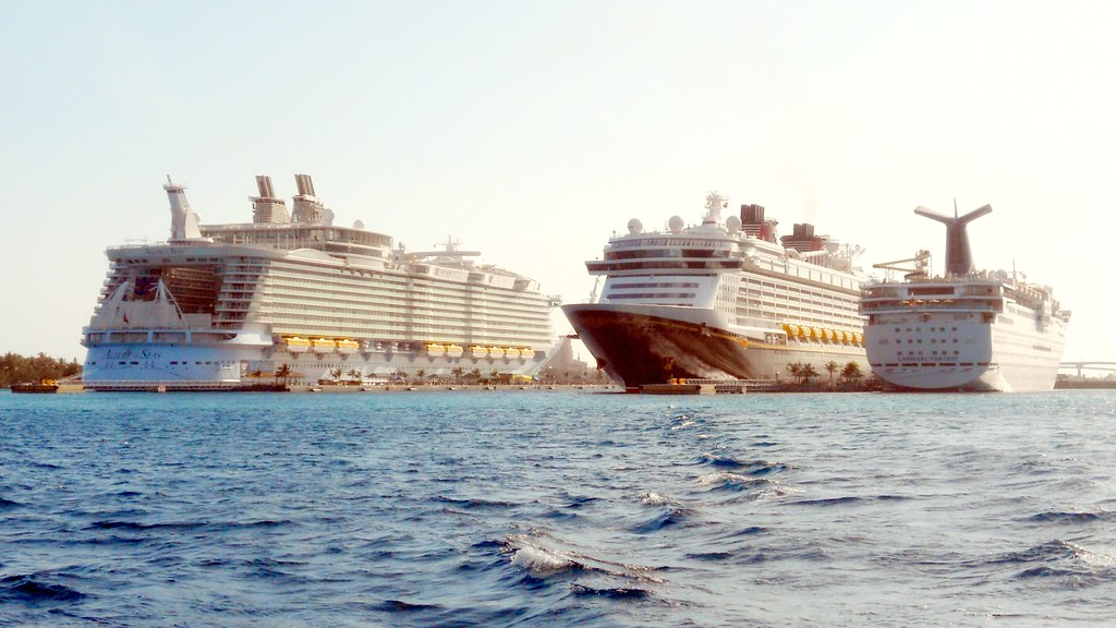 Allure of the seas disney dream and carnival fantasy flickr - The allure of the modular home ...