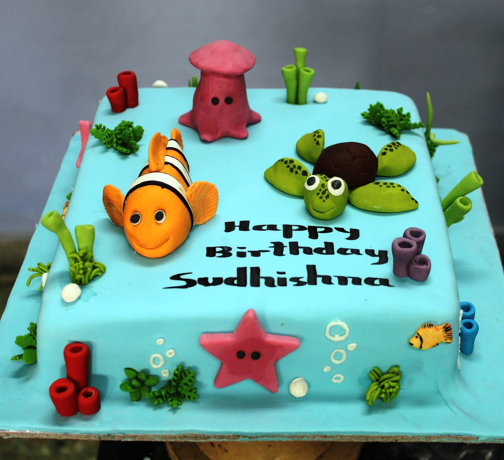 Cake Decorating Fondant Characters : Finding Nemo Fondant characters on Chocolate cake Order ...