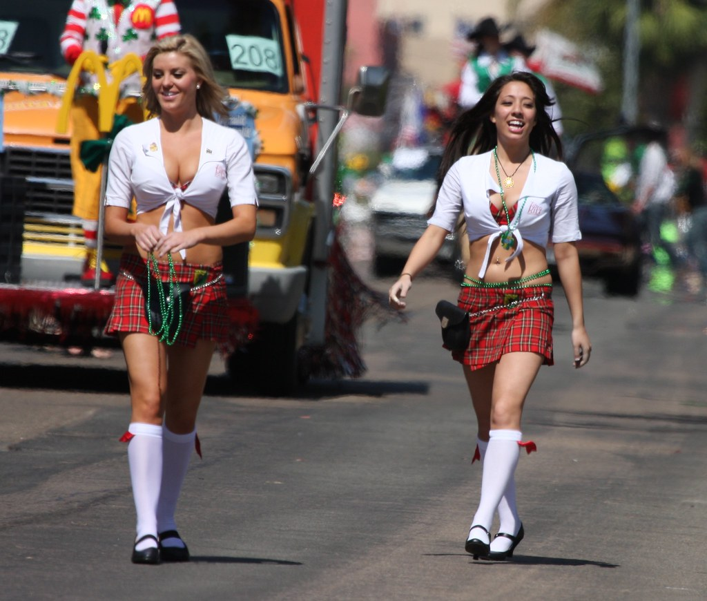 Tilted Kilt girls at the San Diego St.Patrick's Day Parade ...