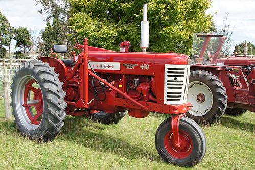 1958 International Tractor : Farmall tractor the west otago vintage