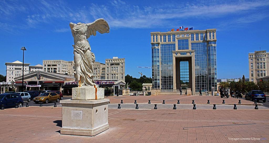 Esplanade de l 39 europe montpellier le quartier moderne - Piscine place de l europe montpellier ...