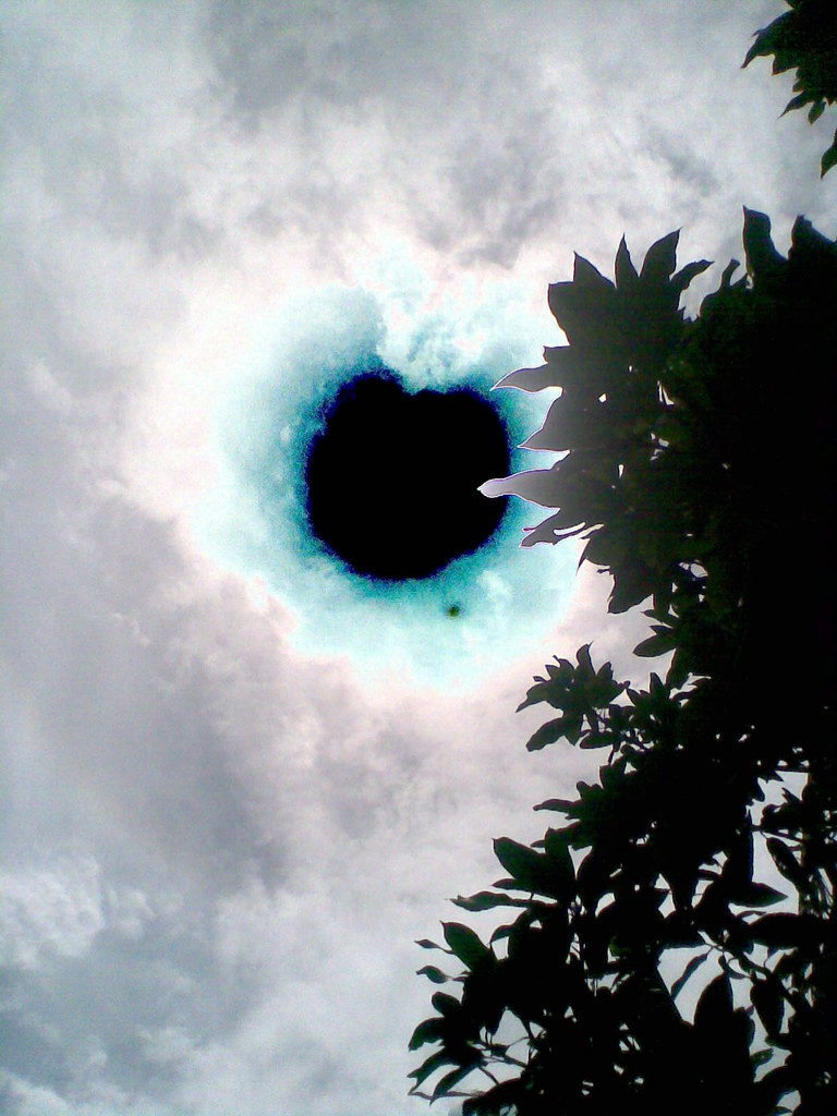 Black Hole in the sky | fikrialhadi@ymail.com | Flickr
