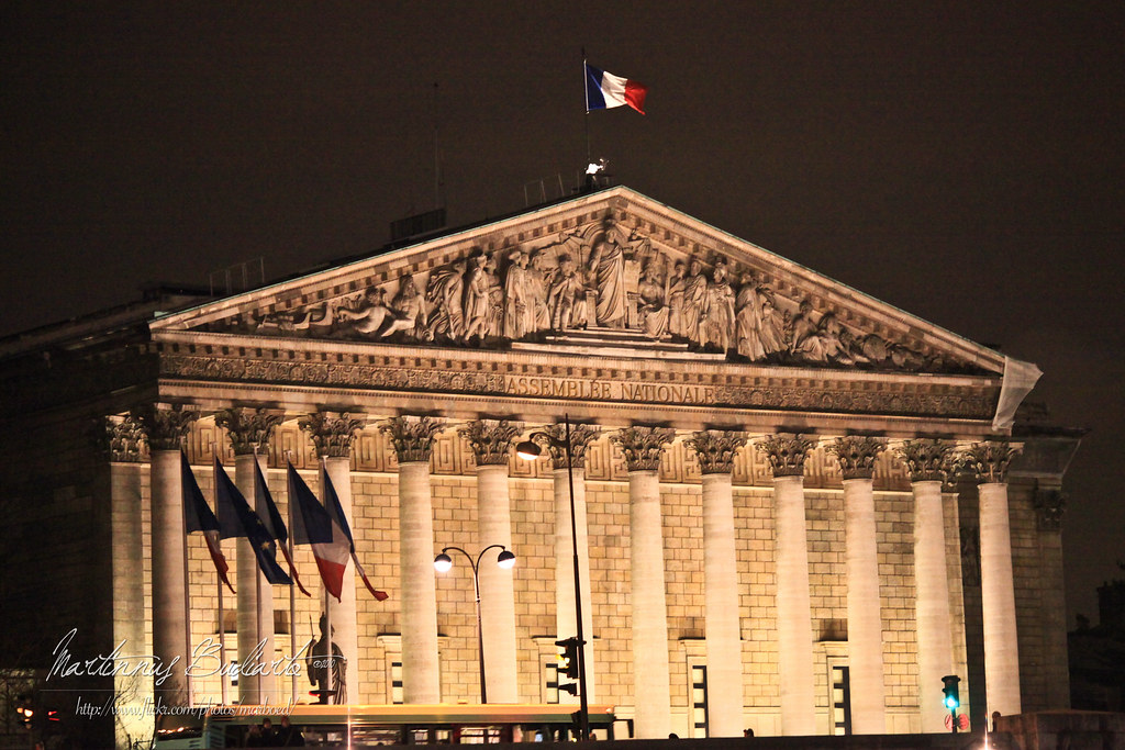 an analysis of french politics under the fifth republic The french fifth republic (1958-present) operates precisely under such a framework and has withstood three executive politics in the us by scholars in all but the field of electoral studies (lewis-beck and rice 1992 pierce 1995) a literal interpretation of key sections of the 1958 constitution might prompt american.