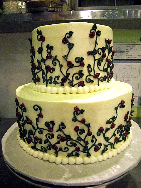 wedding cakes with vines and flowers wedding cake w vines pinwheelbakery flickr 26133