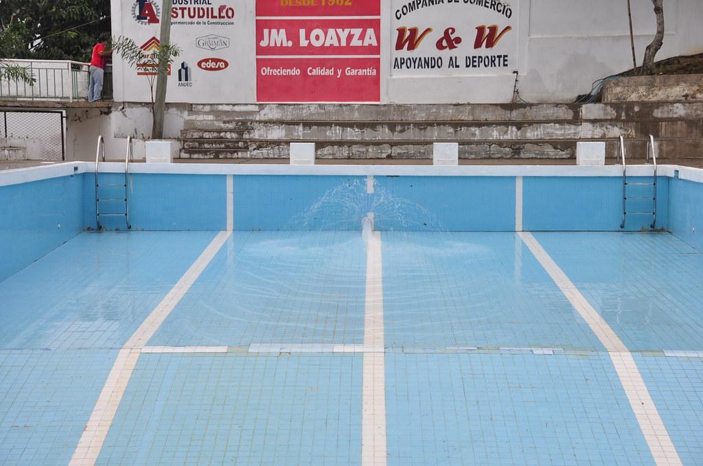 Llenado de la piscina municipal llenado de la piscina for Piscina municipal mataro