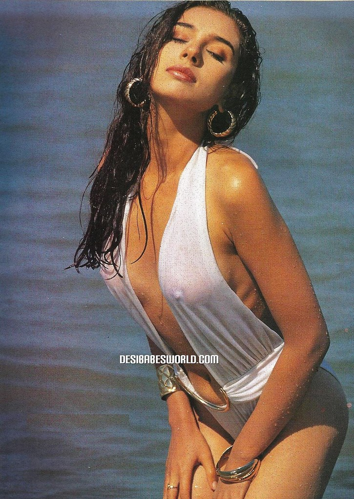 lisa ray in swimsuit  desibabesworld com