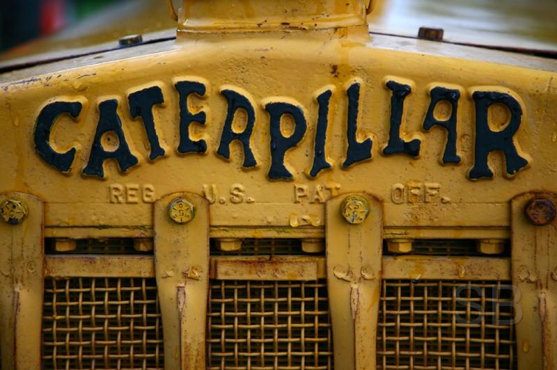 yellow and black Caterpillar logo | I love this logo. I ...
