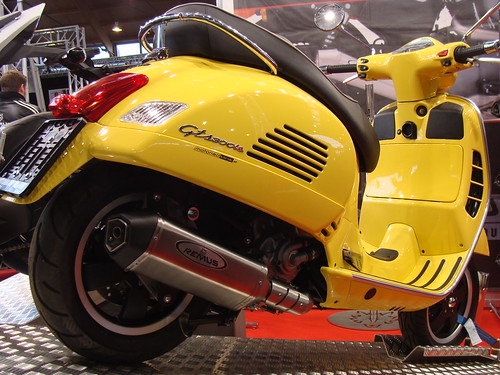 vespa gts 300 ie mit remus scooter flickr photo sharing. Black Bedroom Furniture Sets. Home Design Ideas