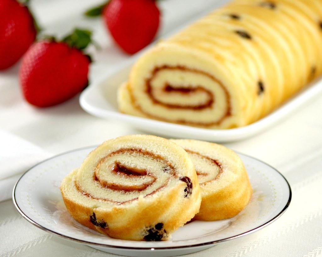 Strawberry Chiffon Cake Roll