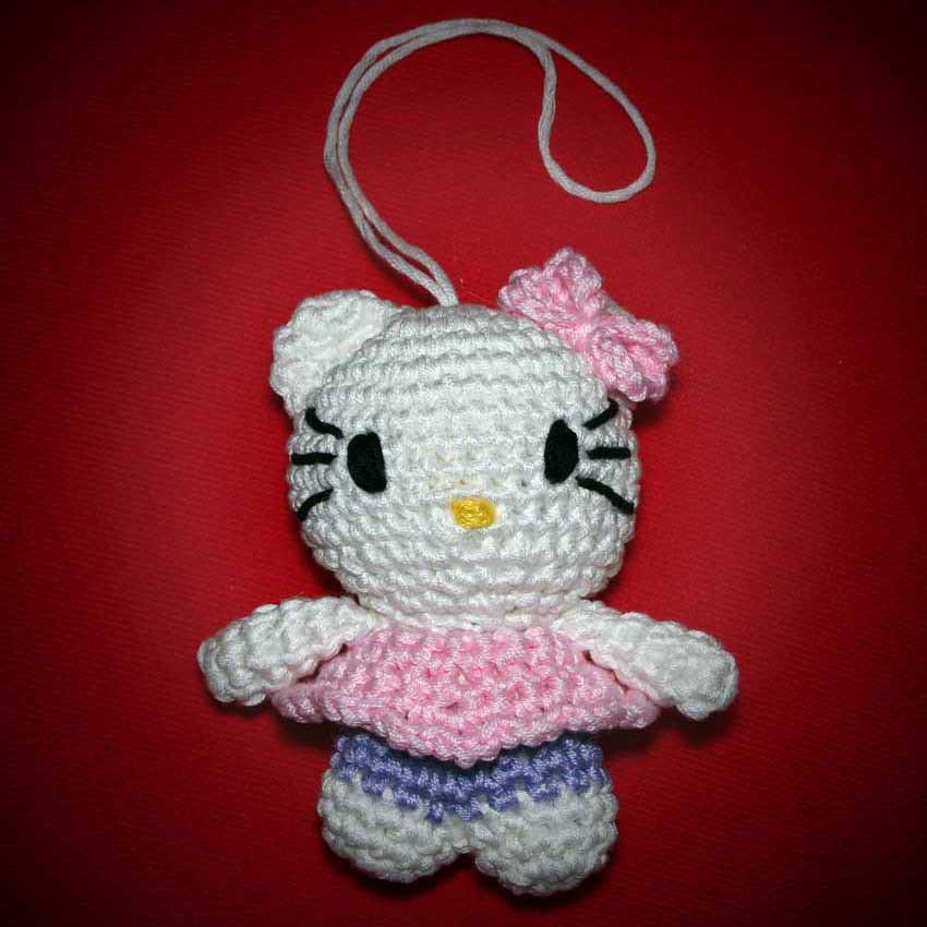 Hello Kitty Amigurumi Modelleri : Amigurumi Hello Kitty Puoi trovare lo schema di Hello ...