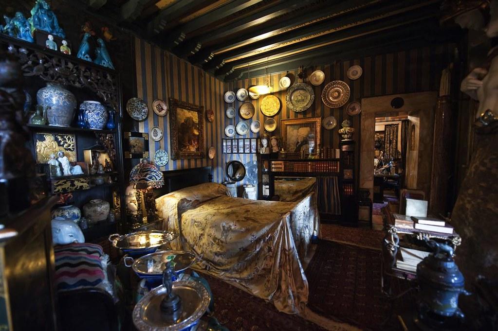 Prioria stanza della leda la stanza da letto di for Corso di arredatore d interni
