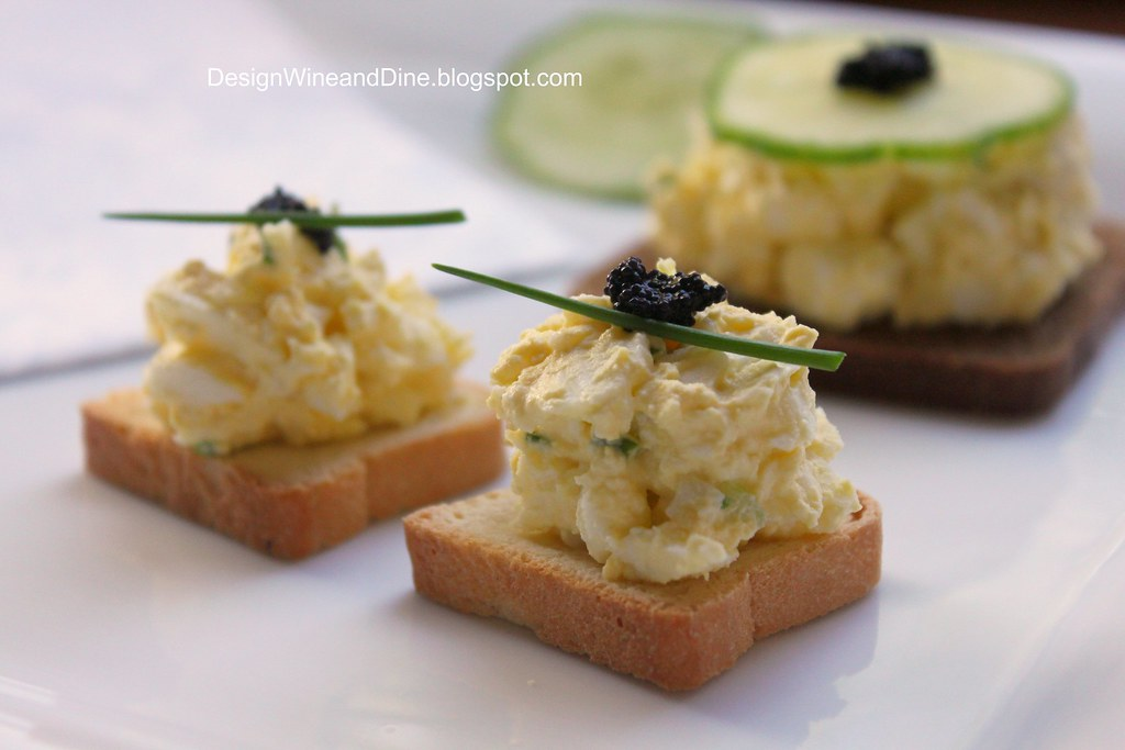Egg salad canapes with caviar and chives carolyn for Canape with caviar