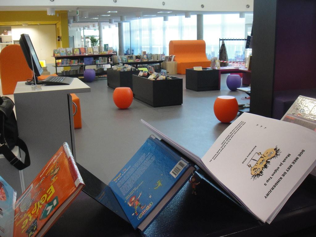 Dsc08400 interieur bibliotheek leusden zuid bibliotheek eemland flickr - Interieur bibliotheek ...