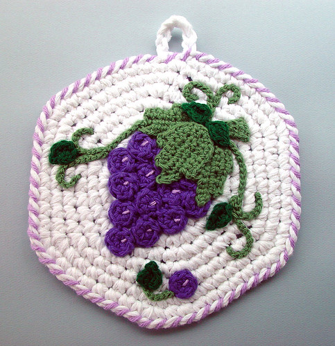 Crochet Purple Grapes Kitchen Potholder | by meekssandygirl