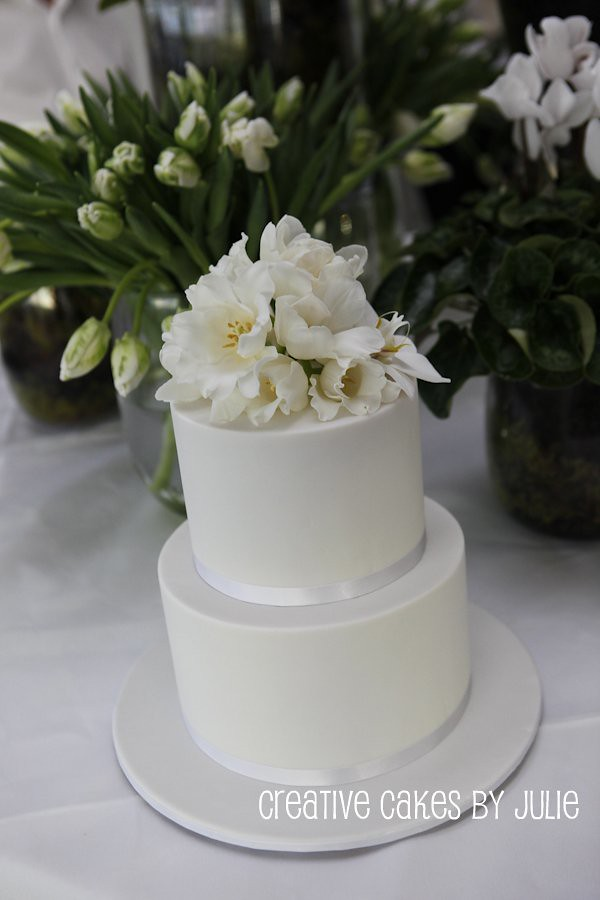professional wedding cake recipes fresh flower wedding cake professional photo of the 18798