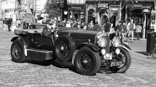 classic Bentley on the Royal Mile 06 | by byronv2