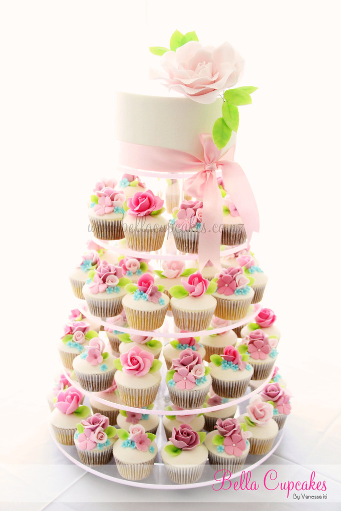 cupcake for wedding cake a single roses to say i you made for a lovely 13142