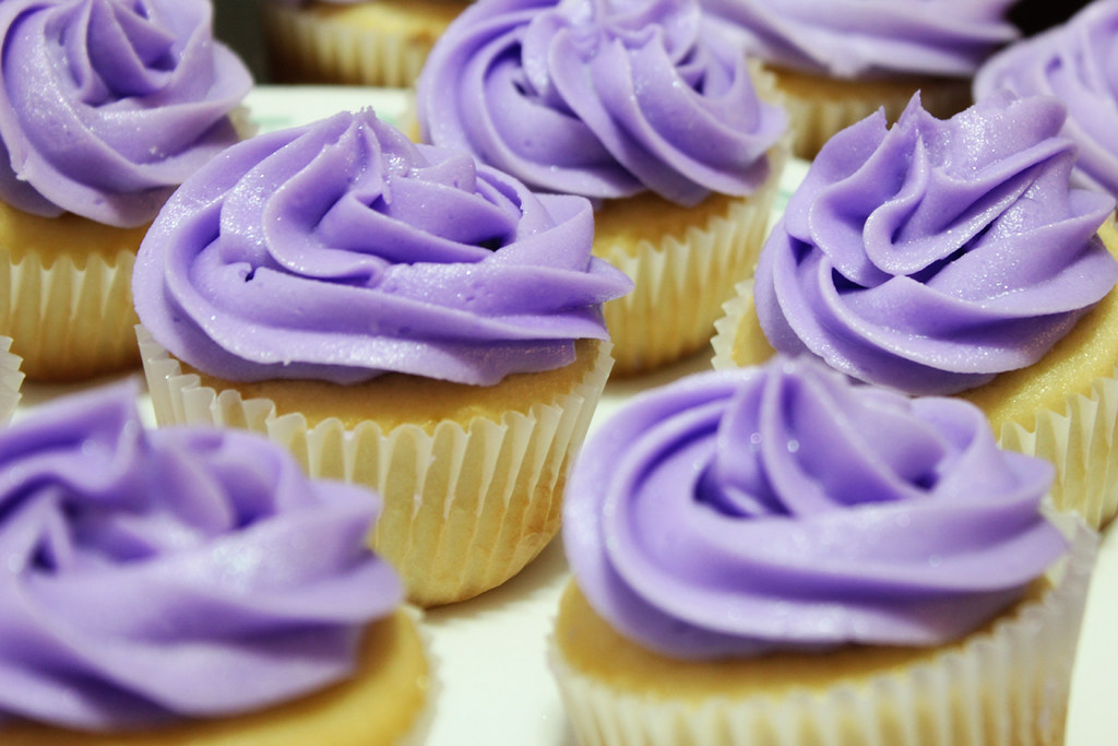 Purple Cupcakes I Thought These Cupcakes My Sister Made We Flickr