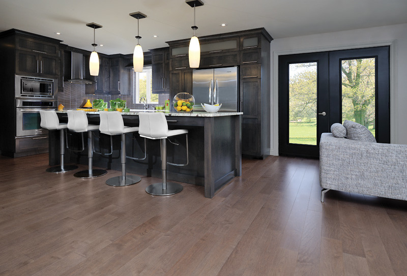 Showcase Hardwood Floors with Accent Pieces and Style