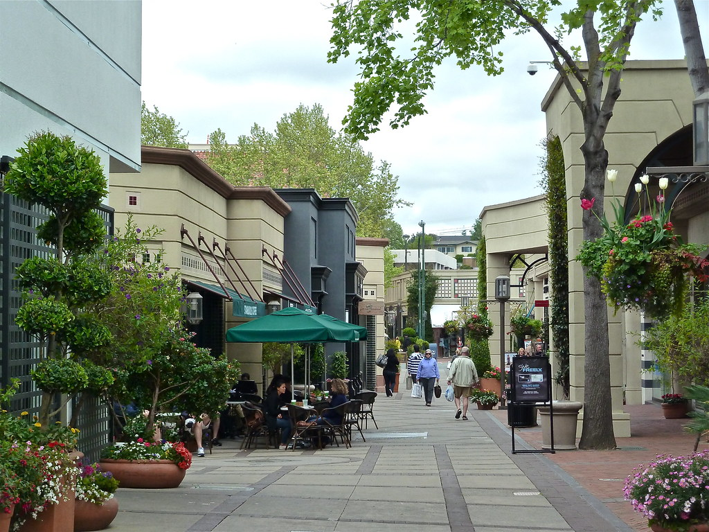 Broadway Plaza is located in Walnut Creek, California and offers 76 stores - Scroll down for Broadway Plaza shopping information: store list (directory), locations, mall hours, contact and address.3/5(2).