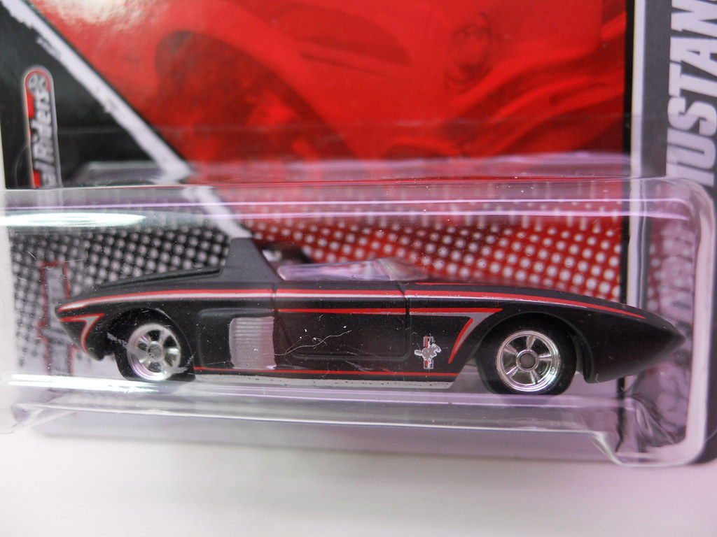 Hot wheels garage 39 62 ford mustang concept blk 2 flickr for Garage ford 62