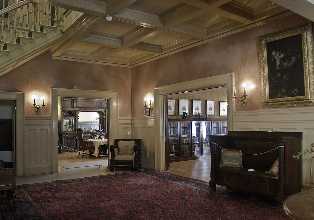 Dunsmuir Hellman Estate Entrance Hall The Foyer Of The