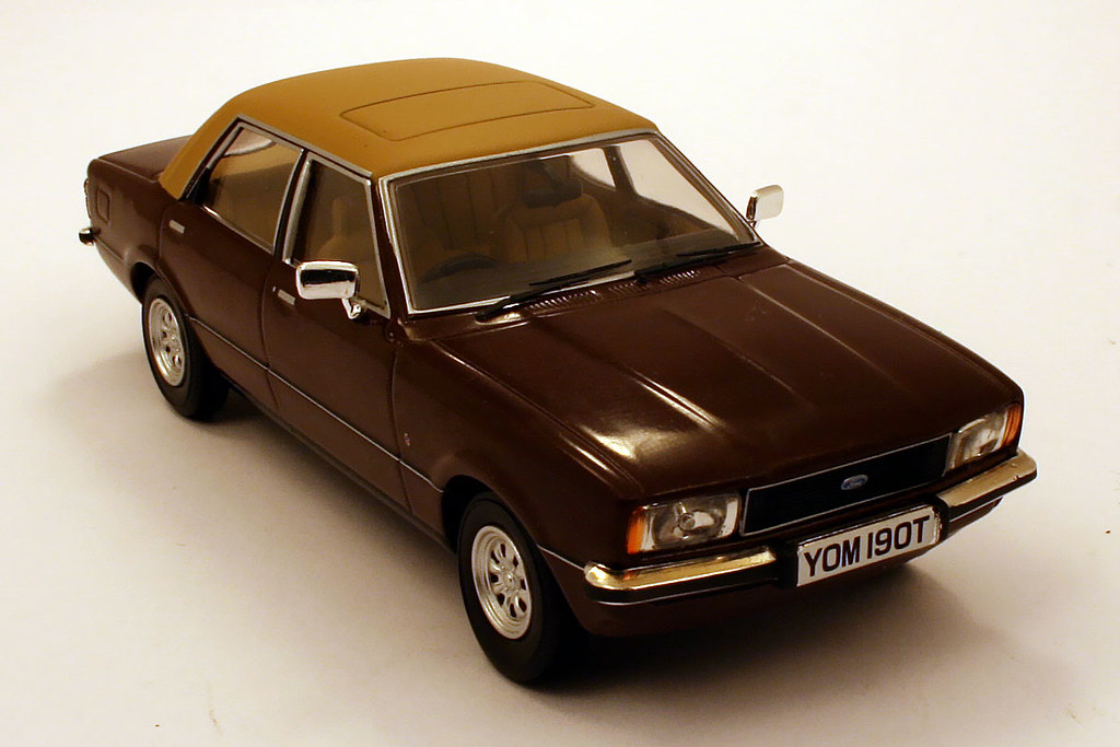 Ford Cortina Mk IV 20 Ghia Vanguards 143me Roman