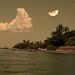 Nuvem apreciando a lua