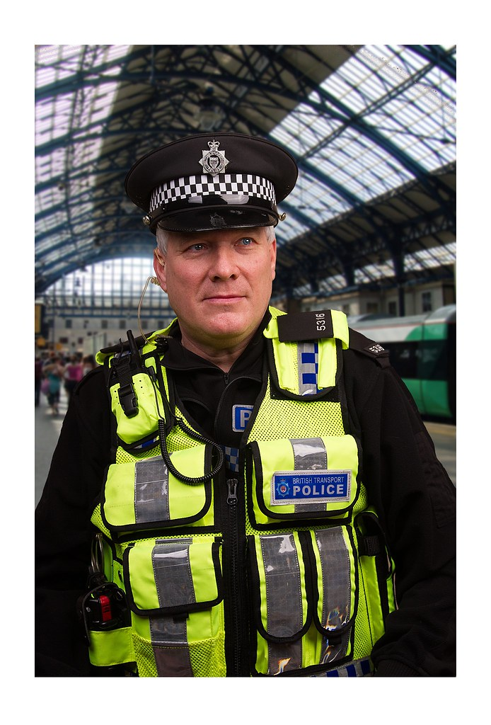 police officer dating uk If a cop asks you out, say yes here's why 15 reasons to date a police officer: 1 who doesn't love a man (or woman) in uniform 2 an officer's.