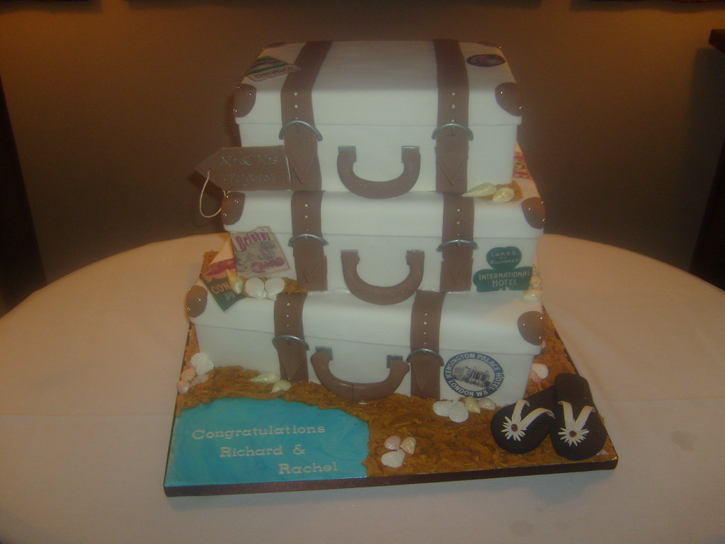Suitcase Cake A Huge Cake Three Times The Size Of A Norm