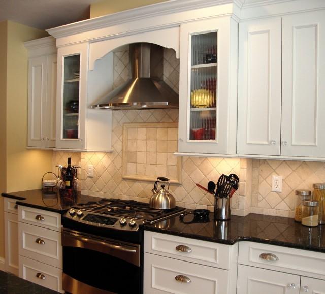 Travertine Kitchen Backsplash: Kitchen Backsplash - Tumbled Travertine