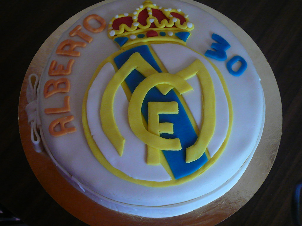 real madrid cake real madrid cake decorado fondant detalle cakelarre flickr 6971