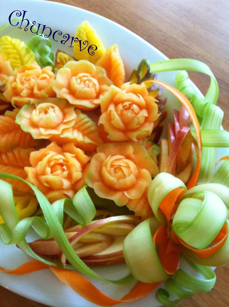 Melon Gardenia n' Rose Bouquet Platter | This fruit ...