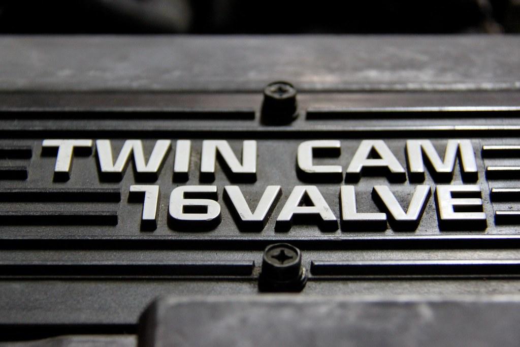Twin Cam 16 Valve