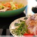 Gespickte Lammschulter auf Rosmarin-Gemüsebett