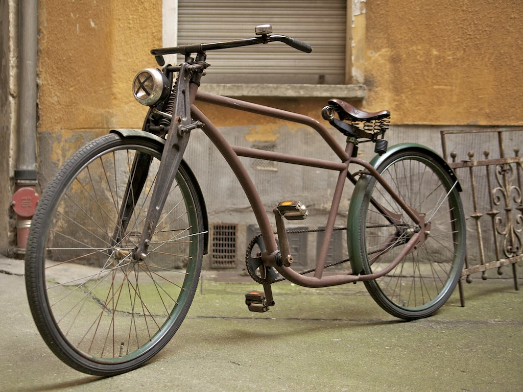 Custom Rat Rod Cruiser Rusted Frame Conserved With